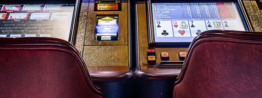 Finding a Video Poker Bug Made These Guys Rich—Then Vegas Made Them Pay | WIRED