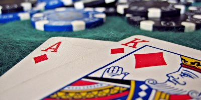 The Comparison Between Land-Based and Online Casinos